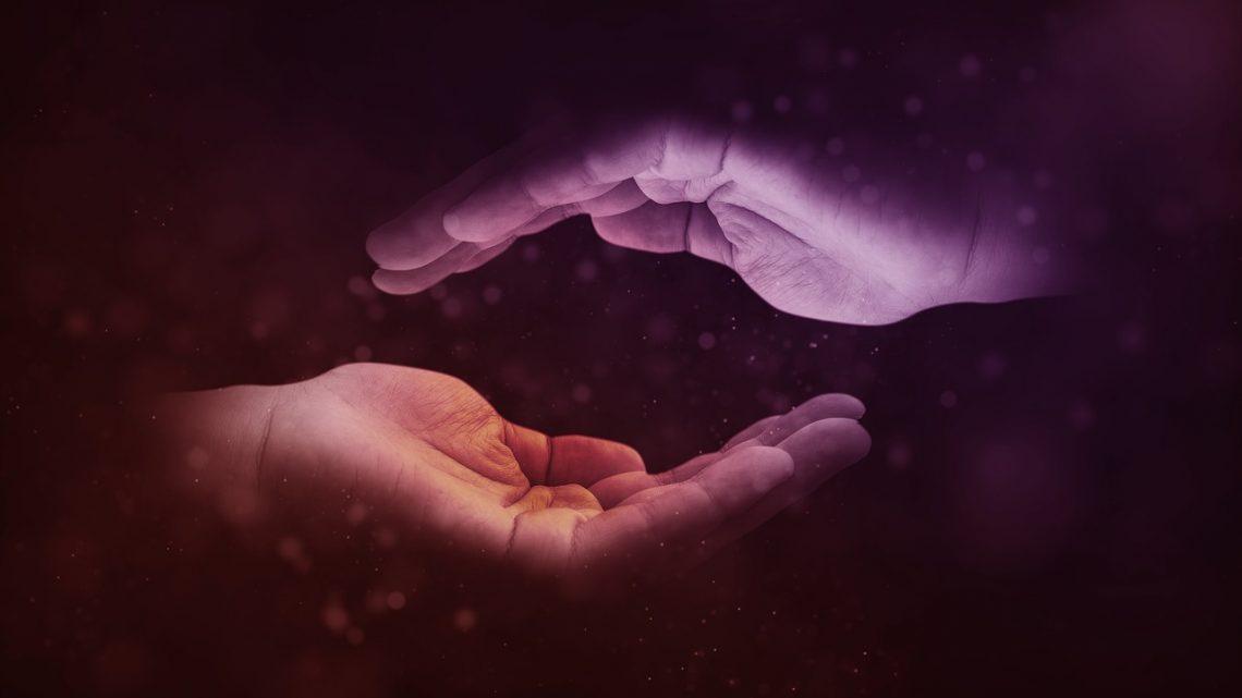Penser à développer la charité et à faire des dons.